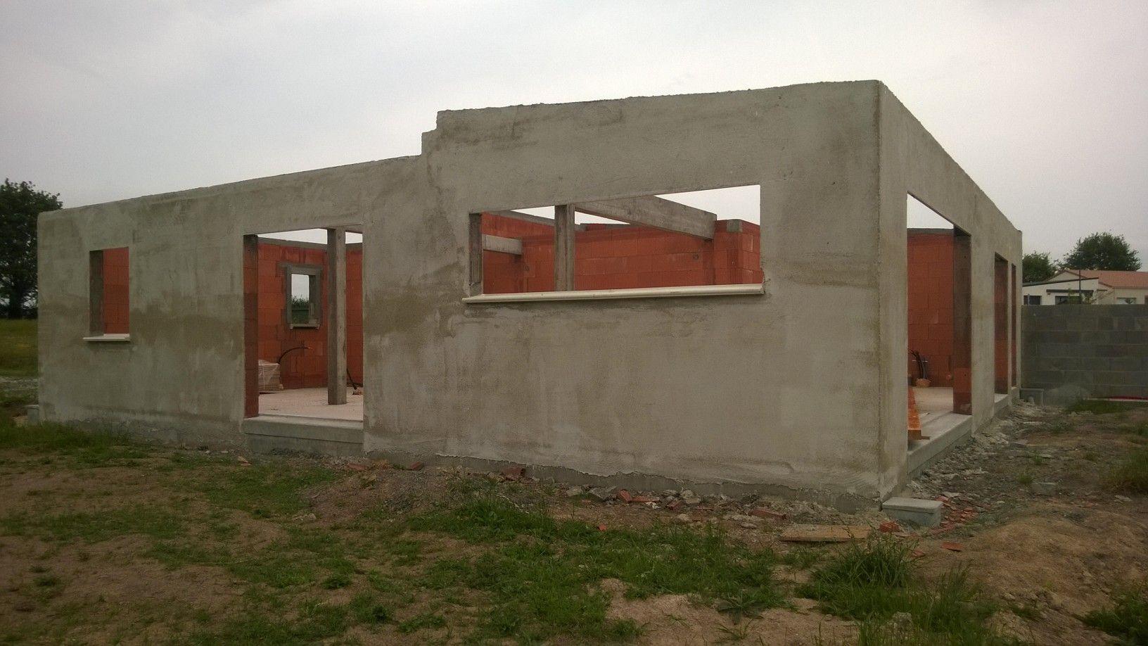 Chantier en cours d'une maison en briques et à ossature bois LA VERRIE 85