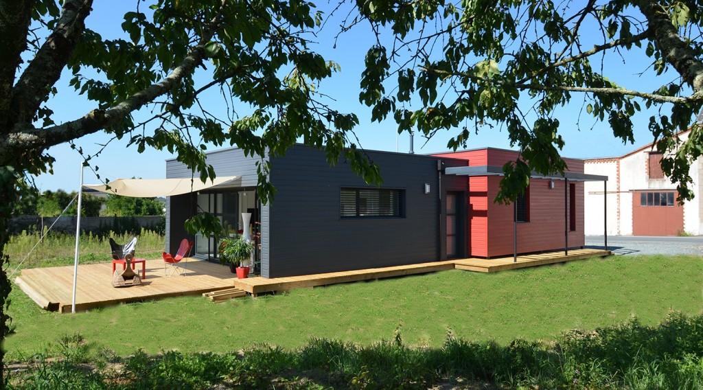 maison ossature bois rouge et grise